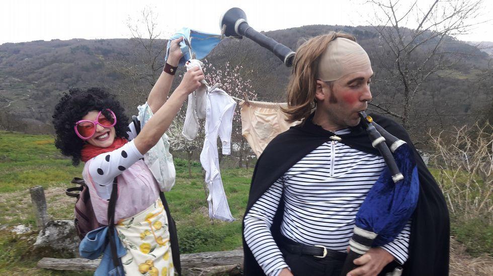 Un imitador del Carlos Núñez en el carnaval rural chantadino