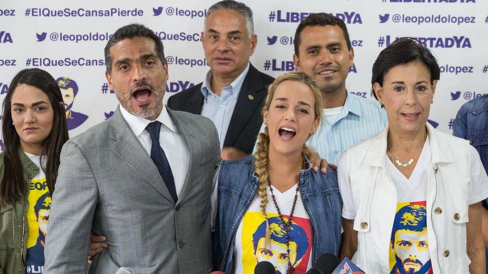 Multitudinaria despedida de Fidel Castro.Peña Nieto impone el Águila Azteca al yerno de Trump en premio a su mediación en EE.UU.
