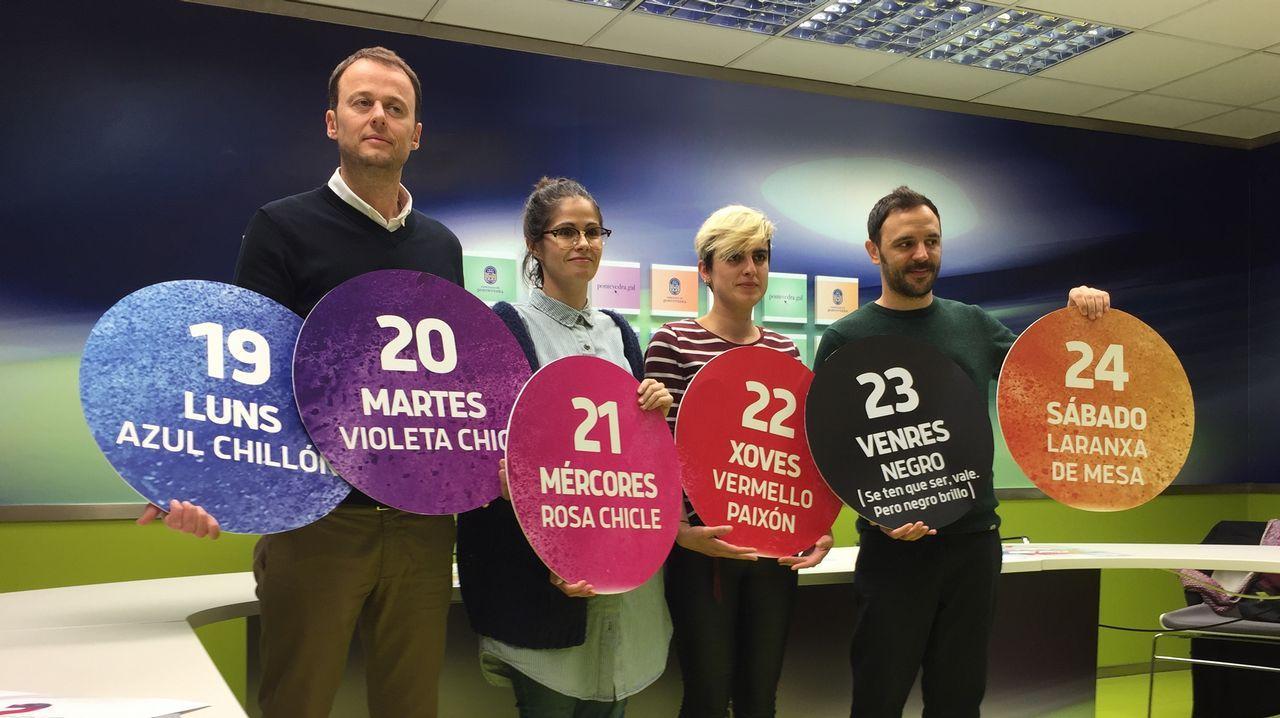 Campaña de concienciación sobre la importancia que tiene el comercio local.Rebajas adelantadas en una tienda de Oviedo