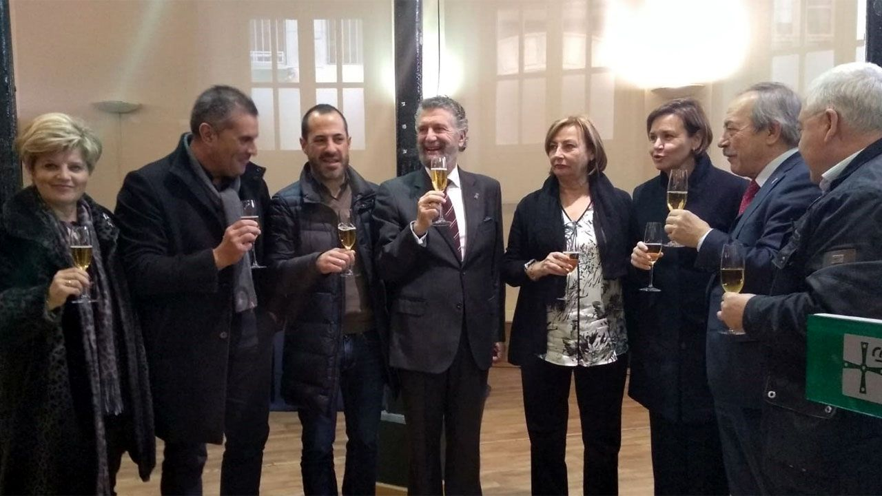 La alcaldesa de Avilés, Mariví Monteserín.Brindis navideño 2018 de los alcaldes y alcaldesas asturianos