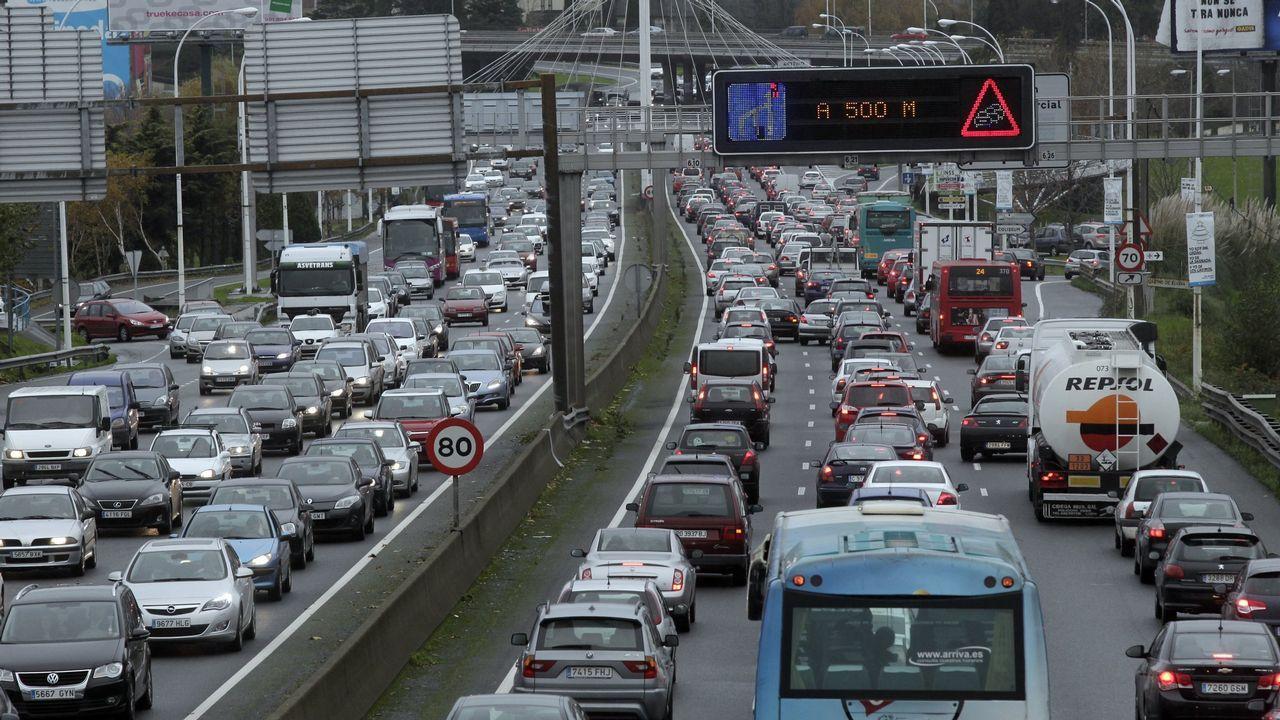 La nieve dificulta el tráfico en la autopista del Huerna.Rafael Hernando, en una imagen de archivo