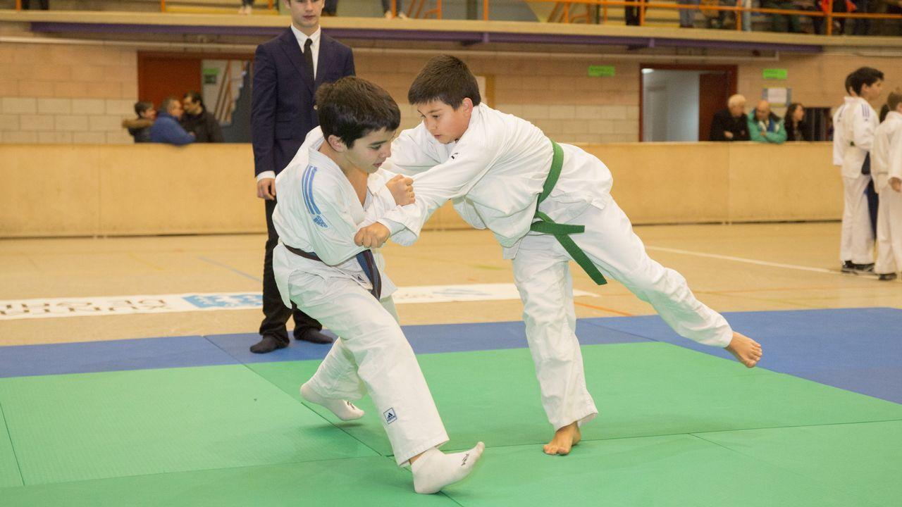 La segunda prueba del campeonato provincial de yudo de Carballo, en imágenes