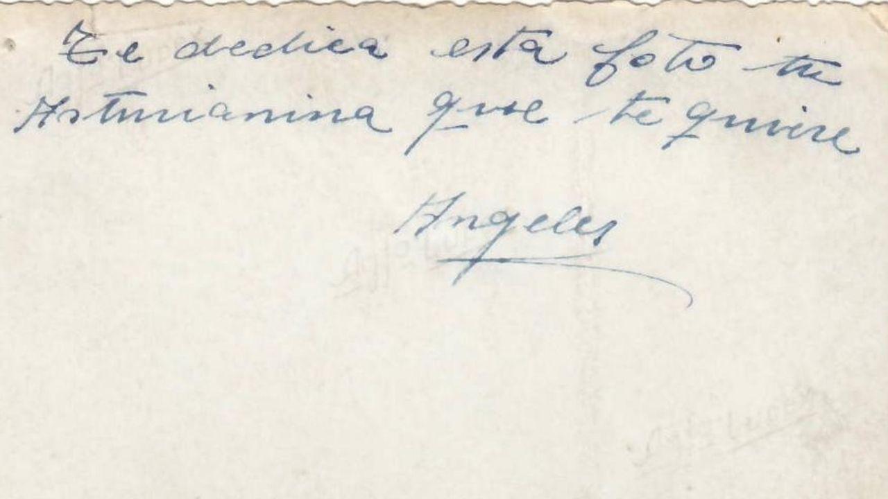 Dedicatoria de una de las fotografías de Angelines: «Te dedica esta foto tu asturianina que te quiere»