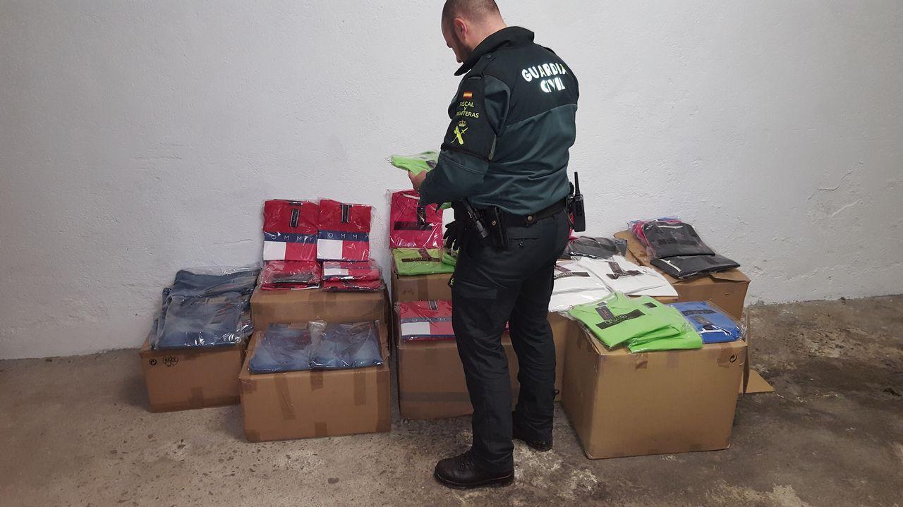 Detienen dos furgonetas en la A-75 con 41.300 euros en ropa falsificada.Reunión entre los representantes de la Xunta y los responsables de la red transeuropea.