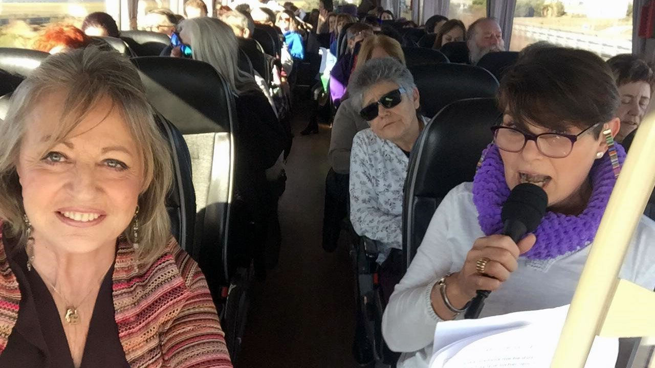 Blanca Cañedo, en uno de los autobuses de mujeres que viajaron a Valladolid para apoyarla
