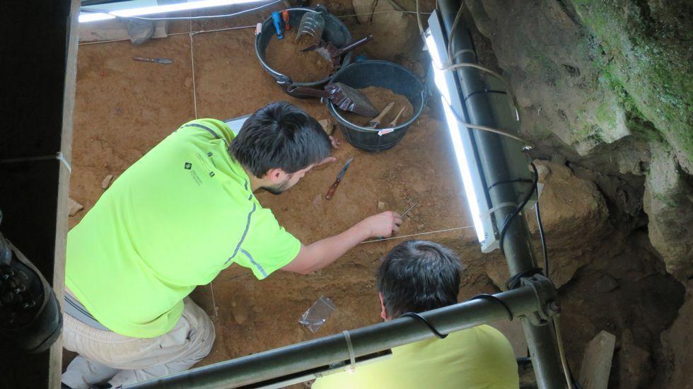 Dos peregrinos heridos al caerles encima un rulo de hierba en Triacastela