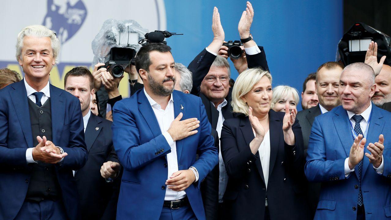 Theresa May anuncia su dimisión.De izquierda a derecha, el holandés Geert Wilders, el italiano Matteo Salvini y la francesa Marine Le Pen, en la cumbre de extrema derecha celebrada en Milán