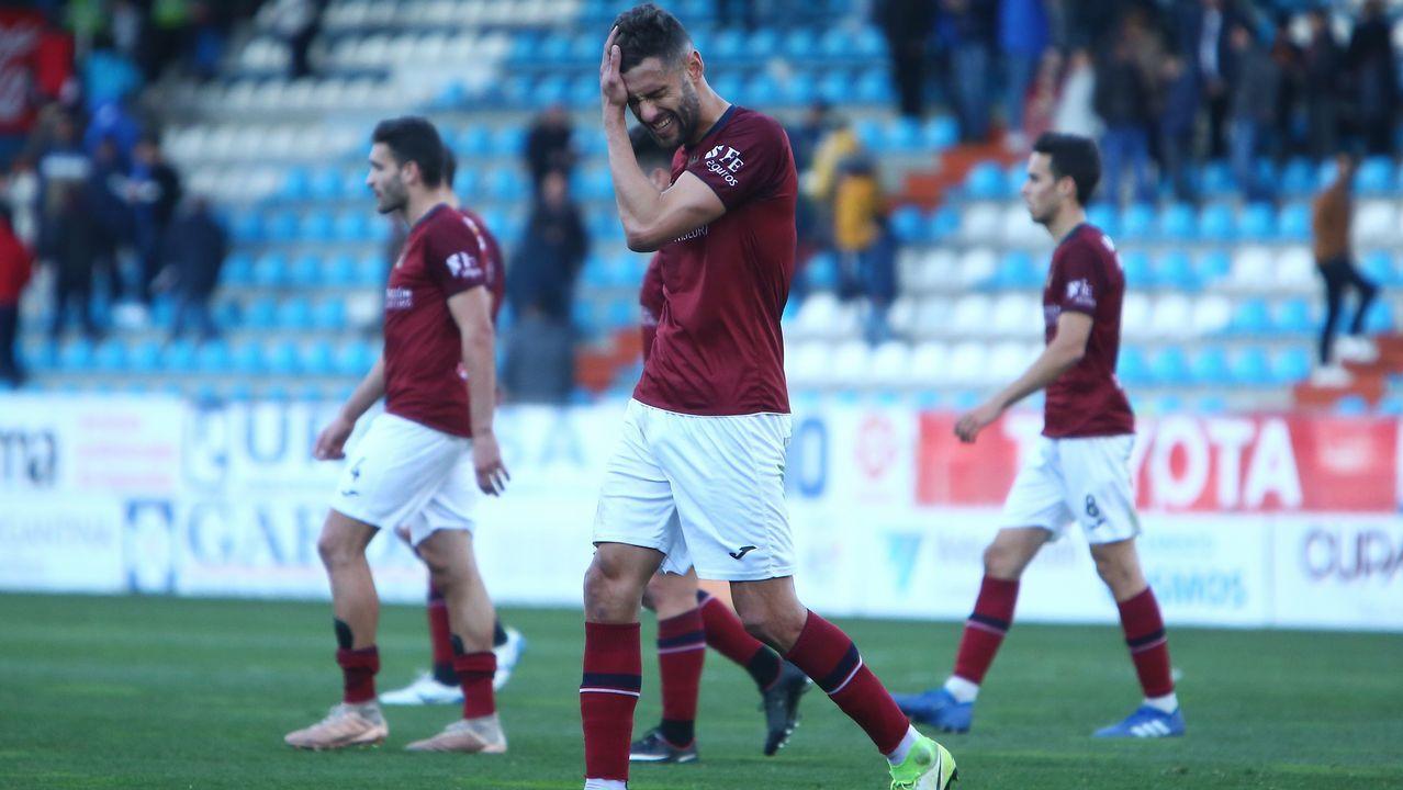 Diegui Johannesson, dirigiendo el grito islandés tras ganar al Reus