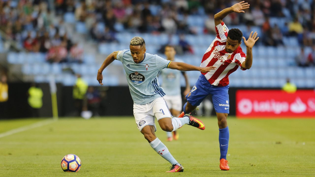 Tejera Javi Munoz Joselu Ibra Christian FernandezReal Oviedo Alcorcón Carlos Tartiere.Diegui celebra su gol al Cádiz