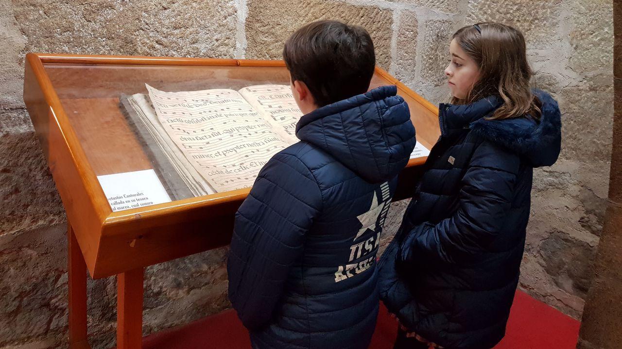 El monasterio de Poio revela sus secretos.En la imagen, Delfín Santiago
