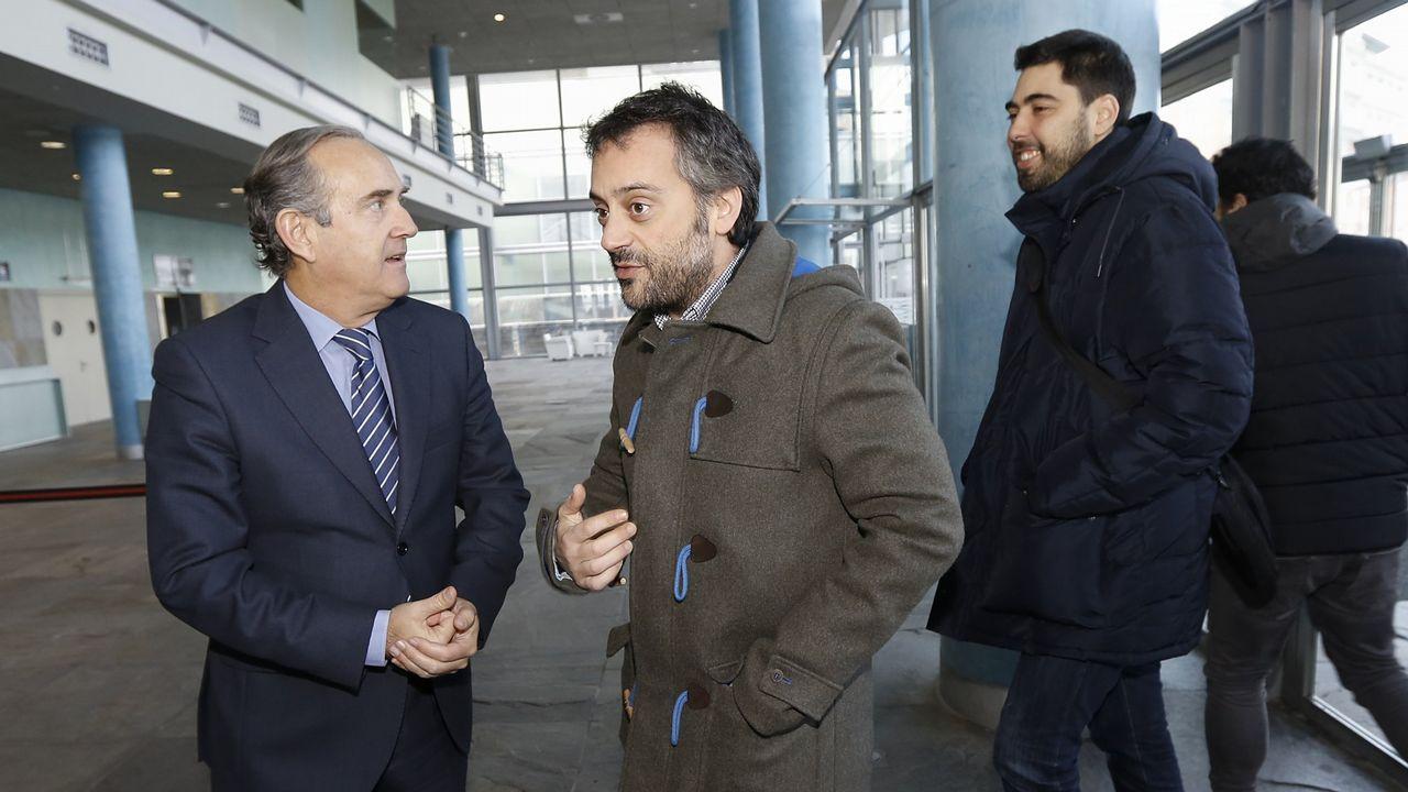 Xiao Varela saliendo del Consejo del Puerto