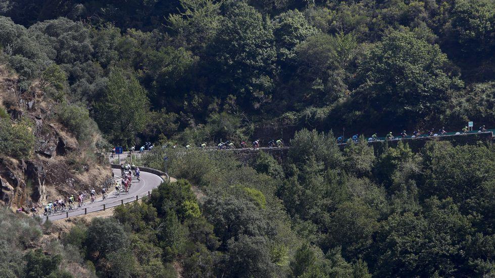 Tras atravesar el Sil, La Vuelta dejó atrás la provincia de Lugo