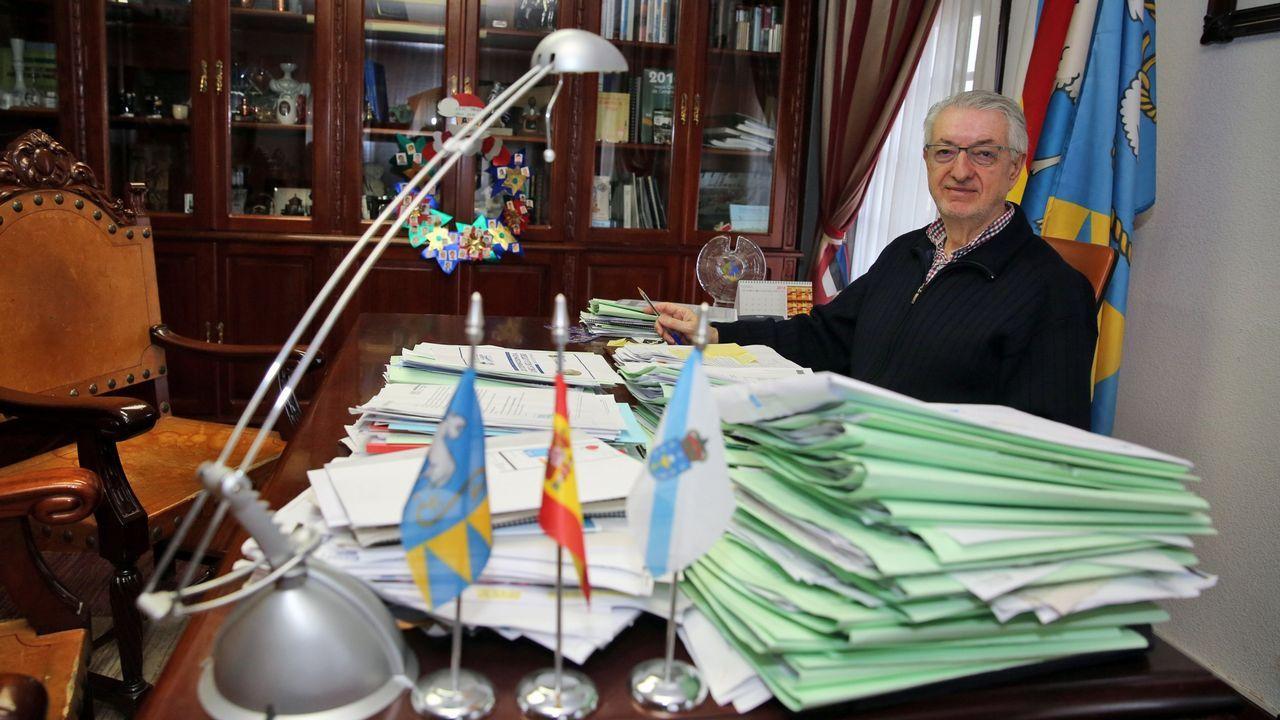 Los suspendidos de En Marea: «Trátase dunha farsa antidemocrática».Miembros del comité electoral de En Marea en la rueda de prensa ofrecida este jueves