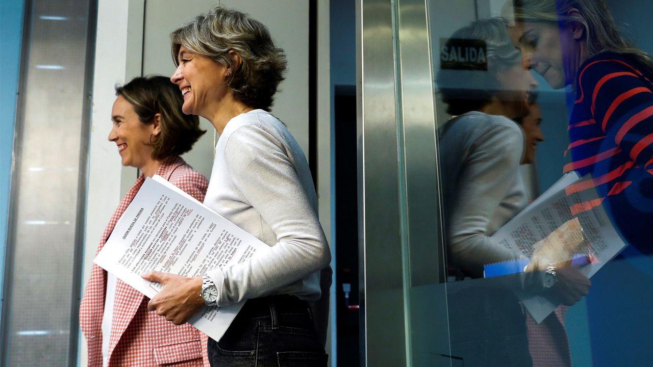 El último adiós a Rubalcaba, en imágenes.Cuca Gamarra, coordinadora de la campaña del PP, e Isabel García Tejerina,  vicesecretaria general de Acción Sectorial, en su primera ruada de prensa