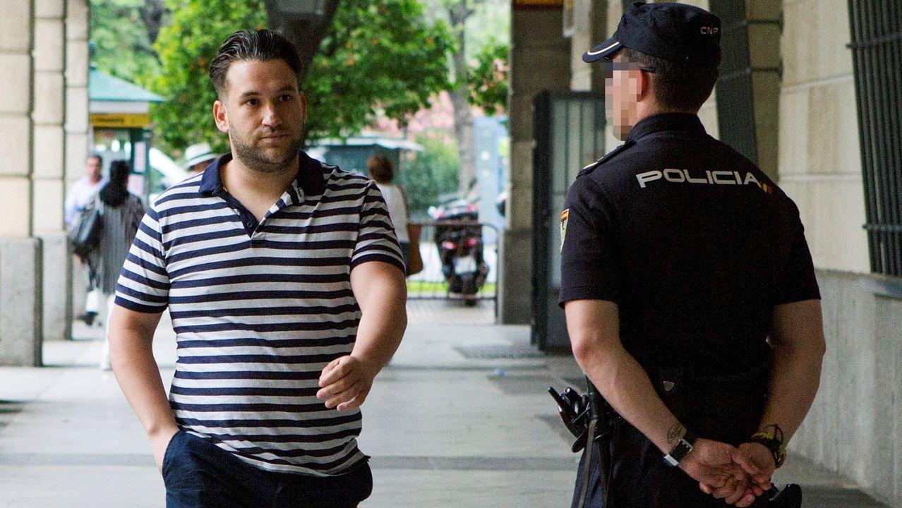 Un padre y sus dos hijos mueren tiroteados en una pelea con otra familia en Cáseda.José Ángel Prenda, uno de los miembros de la Manada