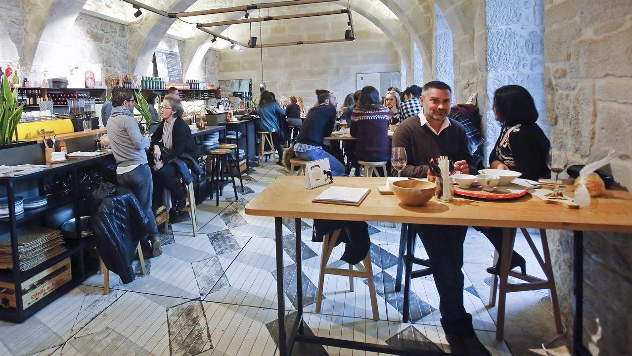 .Pepe Vieira abrió hace dos años un restaurante, Ultramar, dentro del Museo de Pontevedra.