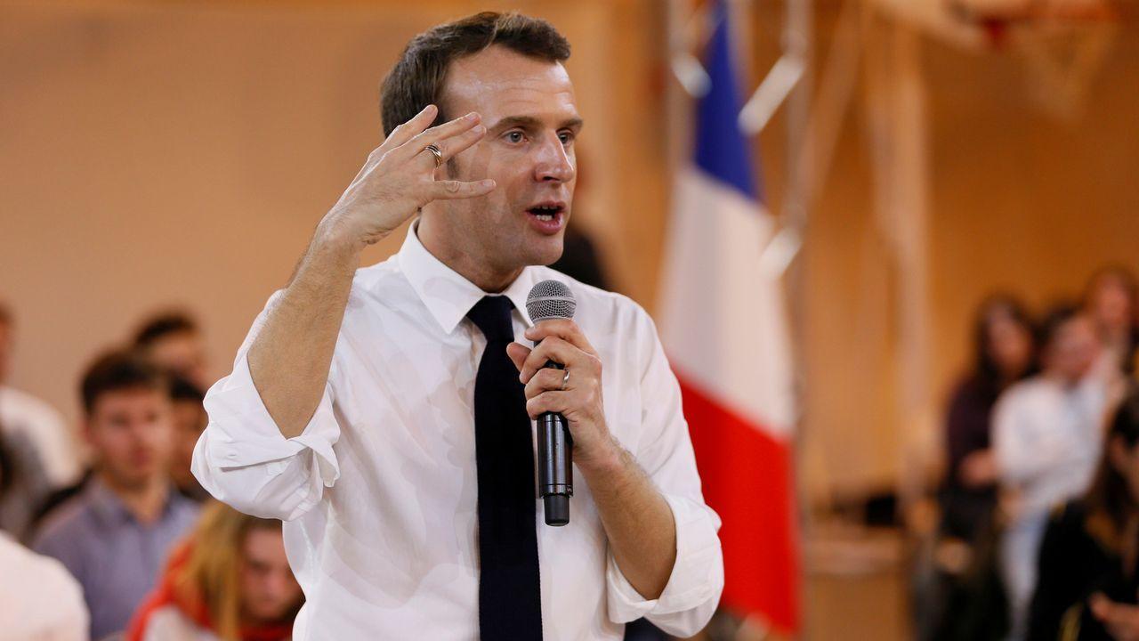 Macron, al alza. Su popularidad sube seis puntos hasta lograr el 34 % del apoyo de los franceses, gracias en parte a su decisión de iniciar un debate nacional para frenar el descontento social