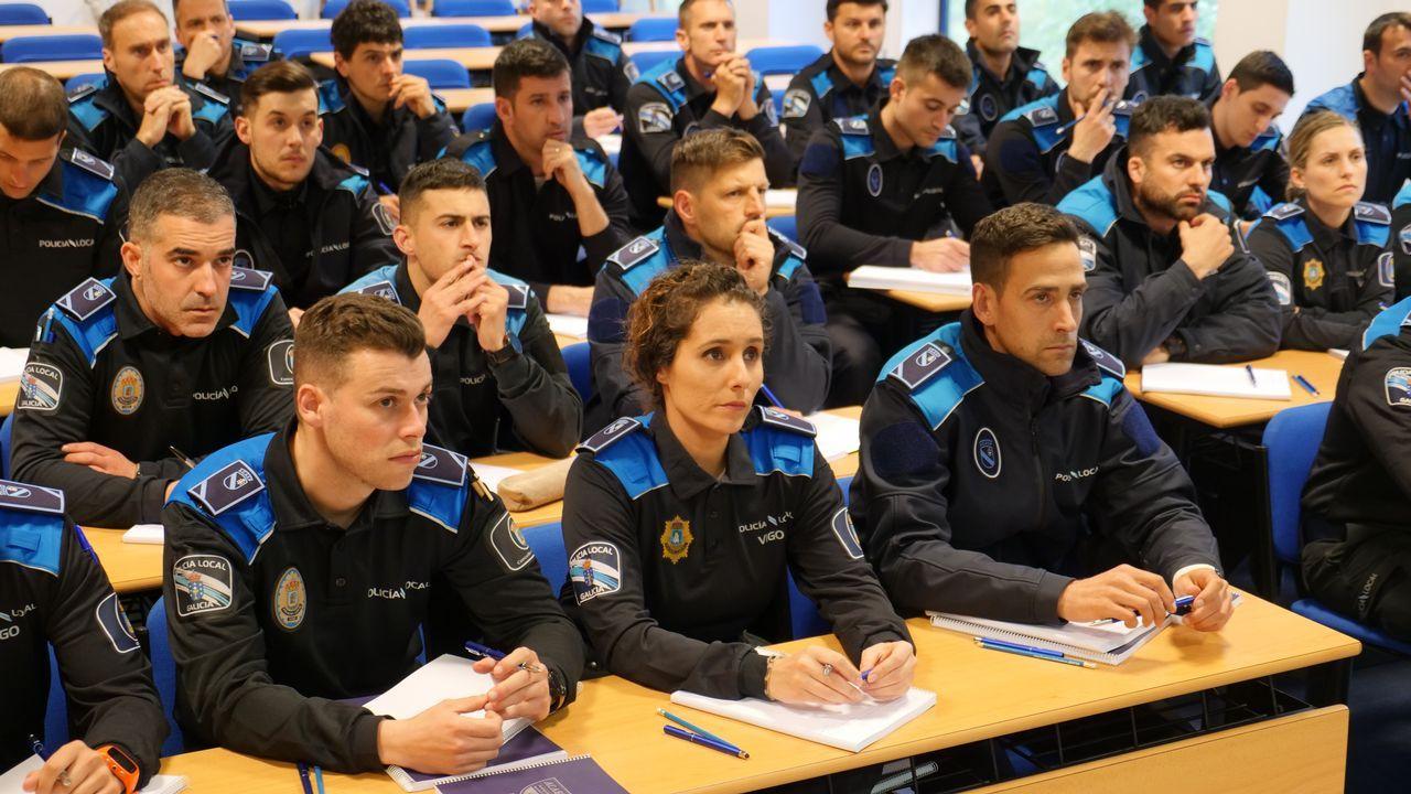 Una de las clases a las que asisten en la Agasp los nuevos policías locales