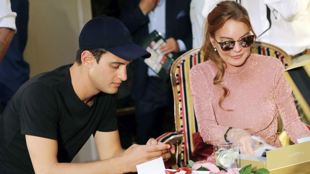 Lindsay Lohan junto al diseñador