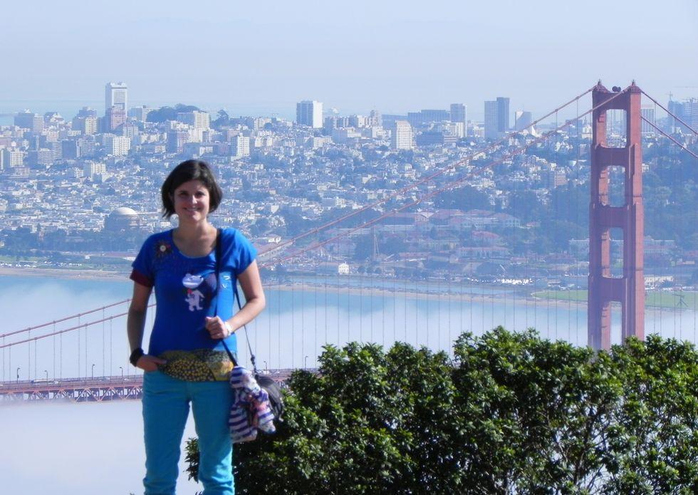 Lourdes Cid ya ha visitado San Francisco, a una hora de viaje, y se ha fotografiado en su famoso puente.