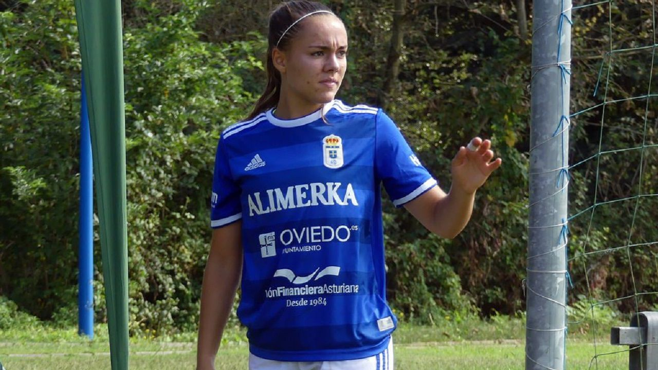 Laurina en un partido del Real Oviedo