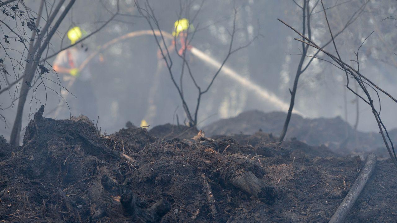 Bomberos trabajando en un incendio en República Checa