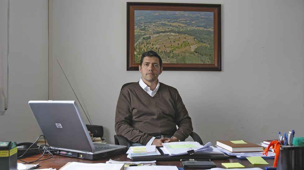 Ernesto Pérez en la alcaldía de San Amaro, en una foto de archivo