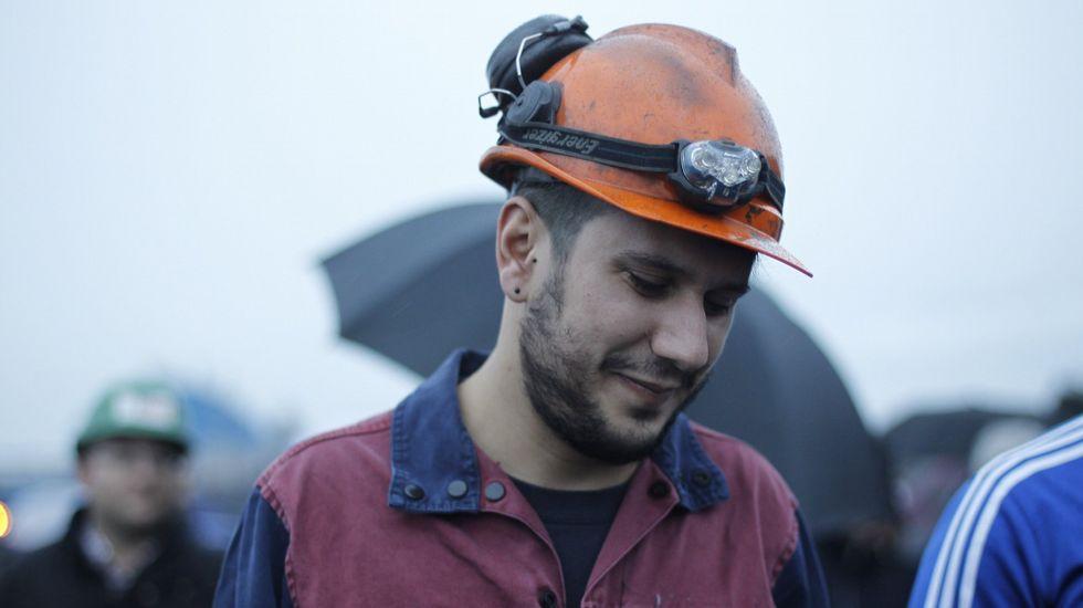 Trabajadores concentrados delante de la planta de Alcoa en Avilés..Trabajadores concentrados delante de la planta de Alcoa en Avilés.
