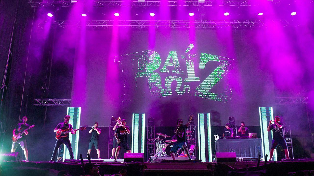 .El grupo La Raiz durante su actuación en el Arenal Sound 2018