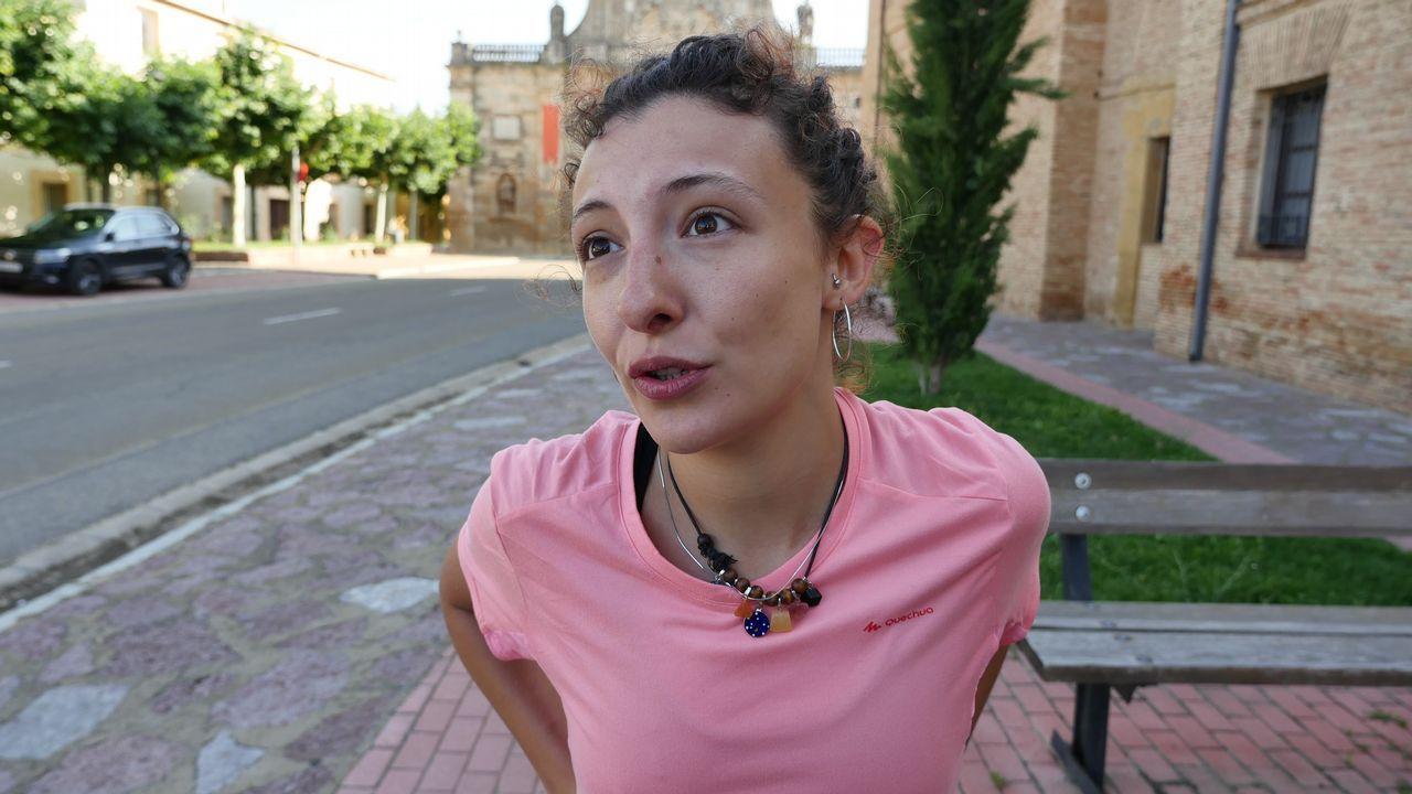 Isabel es de Badajoz, pero hace el Camino Francés, y se emociona al hablar de la ruta