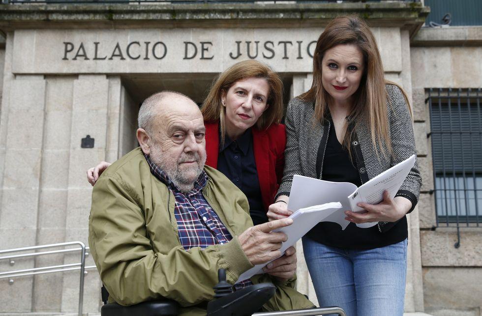 José Luis Carnicero, María Jesús Cid y Rut González han visto reconocida sus tesis de defensa.