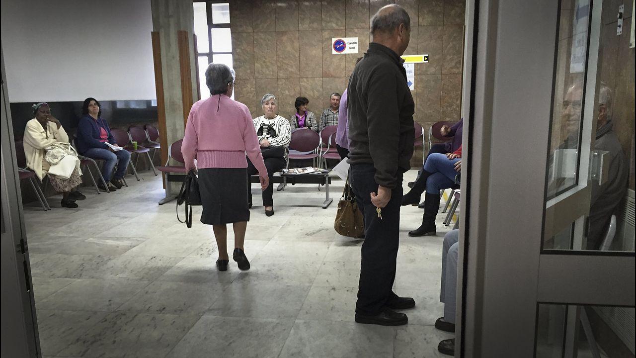 Rodando camino a Porriño sin el resto delvehículo.Imagen de archivo de la sala de espera del Hospital Santa Luzia de Viana do Castelo