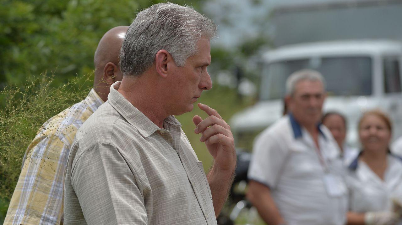 .El presidente Miguel Díaz-Canel llega al lugar del accidente