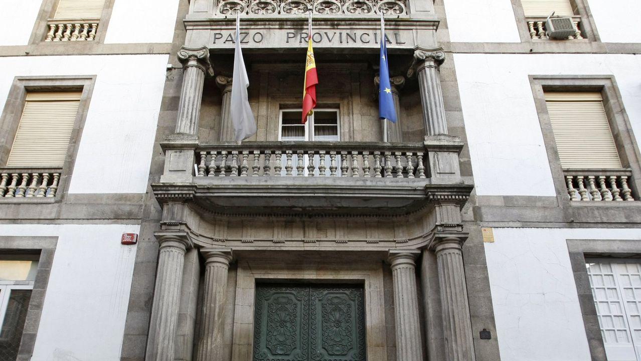 Un recorrido visual por la ruta del puente de Arco da Veiga.Maximino Alonso es el presidente de la asamblea comarcal de Cruz Roja en Valdeorras
