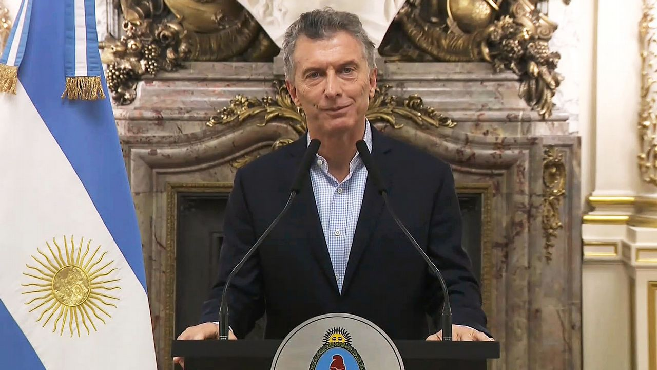 Macri anunció en una comparecencia televisiva el inicio de las negociaciones con el FMI este martes