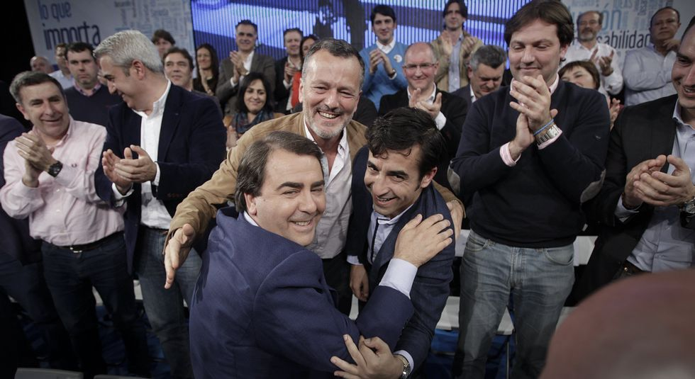 Feijoo, Antonio Fernández Angueira, Diego Calvo y el regidor y candidato de Dodro, Valentín Alfonsín.