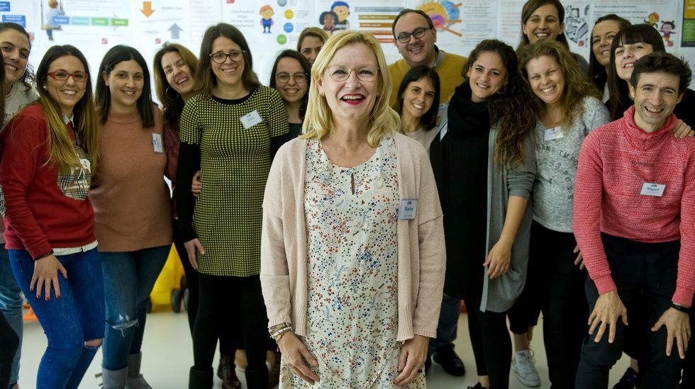 Marisa Moya con sus alumnos del curso de disciplina positiva