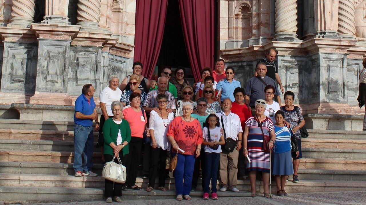 Viaje de los vecinos de Posmarcos y Lampón.
