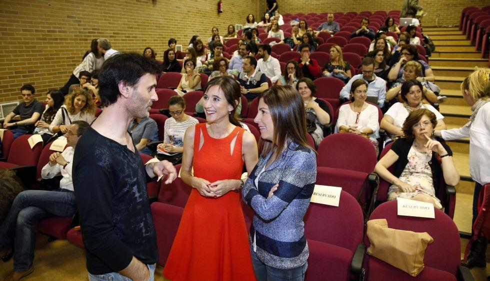 Jorge Mira, Carmen Pomar y María Solar ayer en la Facultade de Psicoloxía.