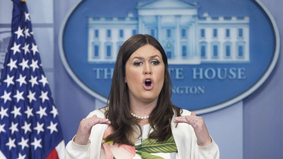 .La vicesecretaria de prensa de la Casa Blanca, Sarah Huckabee Sander, ofreció una rueda de prensa en Washington (DC, EE.UU.) y defendió los mensajes que el presidente de los Estados Unidos, Donald Trump, publicó en Twitter sobre el alcalde de Londres, Sadiq Khan