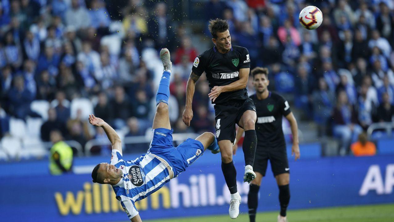 Javi Munoz Real Oviedo Alcorcón Carlos Tartiere.La acción más polémica del partido de la primera vuelta llegó cuando Quique fue expulsado por rematar de chilena en presencia del malaguista Luis Hernández