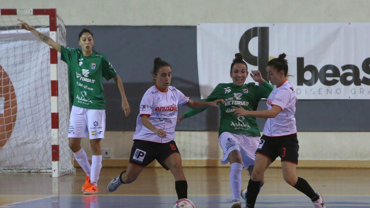 Rozada Vetusta Gernika.Borja Sánchez celebra el primer gol del Vetusta ante el Arenas
