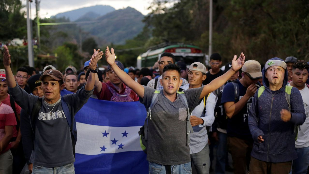 Un millar de migrantes integran la caravana que el lunes partió de Honduras
