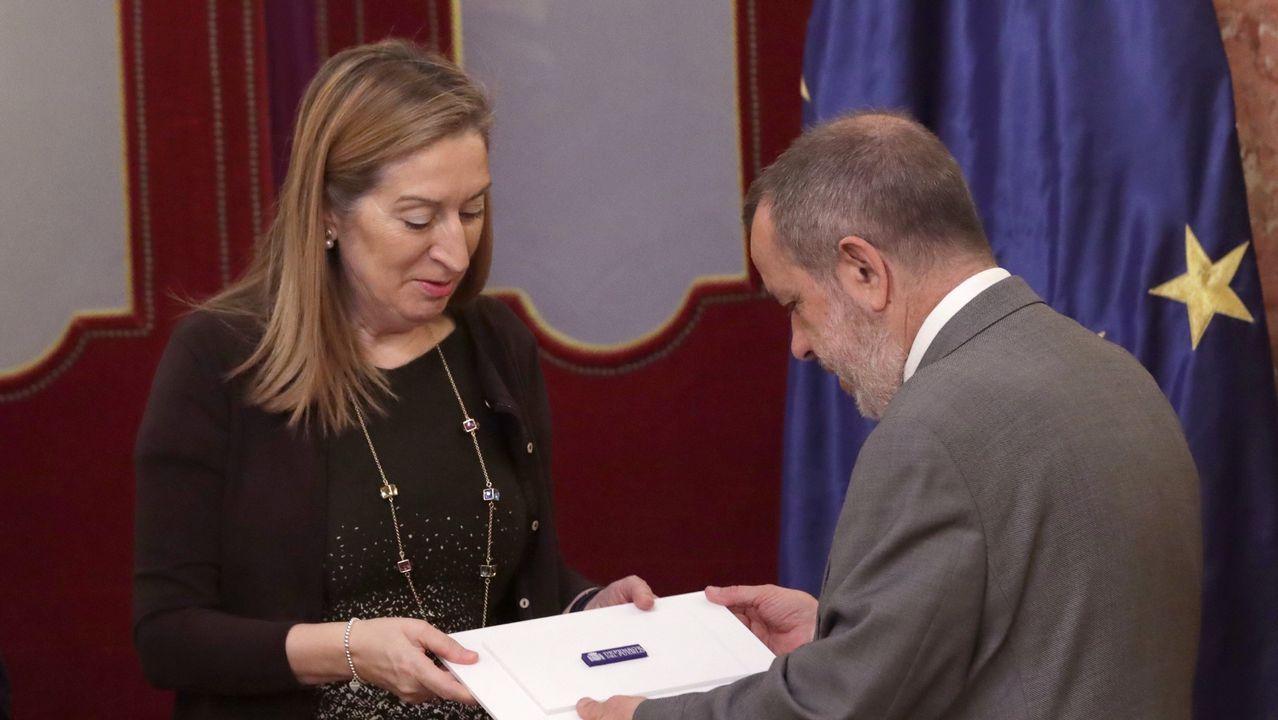 .El Defensor del Pueblo en funciones, Francisco Fernández Marugan, entrega el informe anual de su institución a la presidencia del Congreso