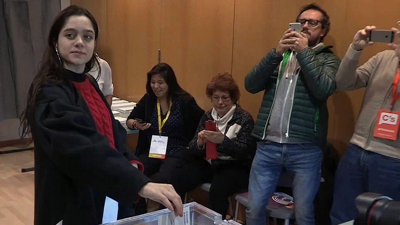 .Laura Sánchez, la joven que ha cedido su voto al expresidente Carles Puigdemont, que permanece en Bruselas