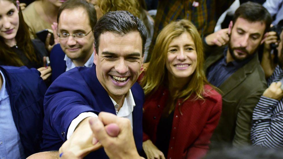 Casado: «Sánchez tiene que decidir si se va a montar en el avión de Maduro».El próximo domingo cumplirá 34 años Siniestro Total y lo celebrará tocando en La Iguana.