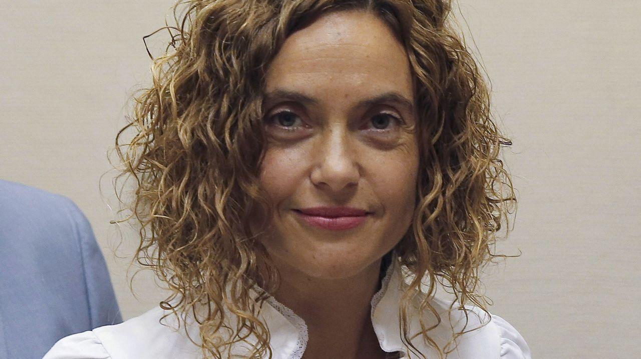 Las lecciones de Aznar y la respuesta del PP.Iglesias y Sánchez se abrazan tras prosperar la moción de censura