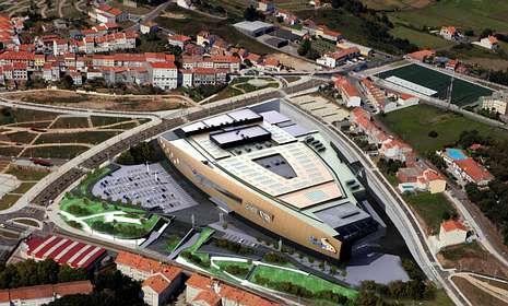 incendio.El centro comercial tiene una superficie total construida de 154.804 metros cuadrados.