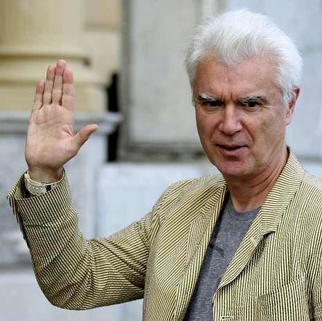 David Byrne, ayer, a su llegada a San Sebastián.