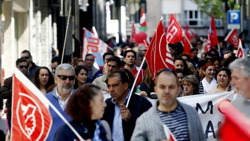 Los trabajadores gallegos salen a la calle.Juicio laboral por los servicios mínimos de Povisa